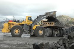 2 WA 1200 loading Cat 789C