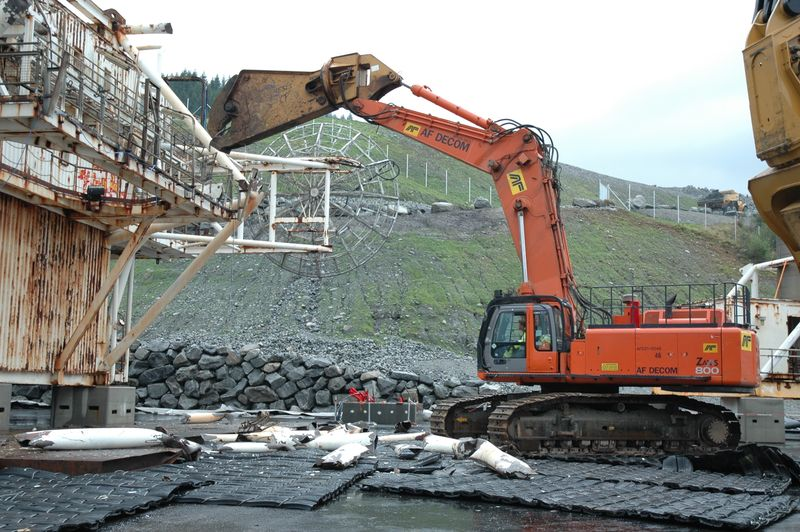 1 Zaxis 800 at work