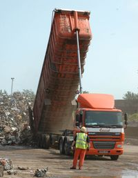 1 DAF 85.410 tipping steel waste