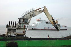 Liebherr P996 dredger at Ostend