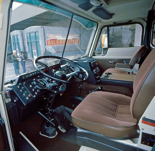 Volvo F88 & F89 at Work second edition book by Patrick W ...