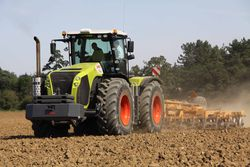 Claas Xerion 5000 with Simba Cultipress